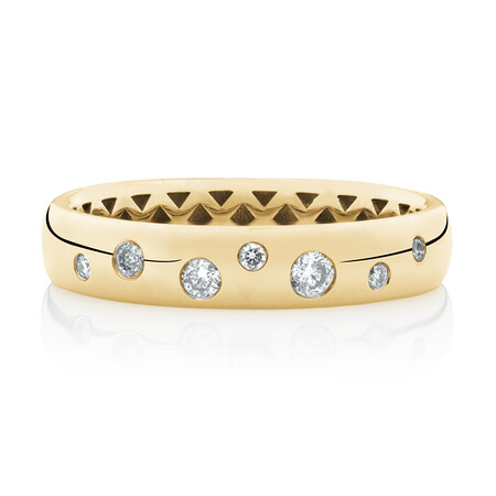 Hammer Set Ring with Diamonds in 10ct Yellow Gold