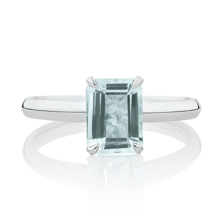 Ring with Aquamarine in 10ct White Gold