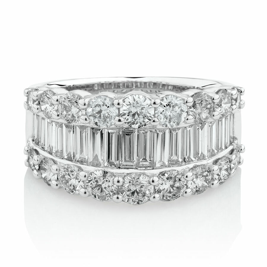 Ring with 3 Carat TW of Diamonds in 14ct White Gold