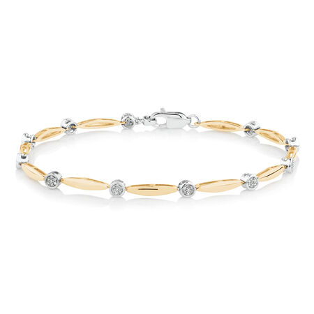 Bracelet with 0.15 TW of Diamonds in 10ct Yellow Gold
