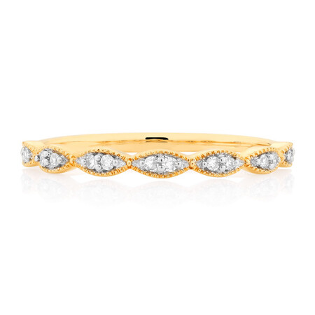 Wedding Band with Diamonds in 10ct Yellow Gold