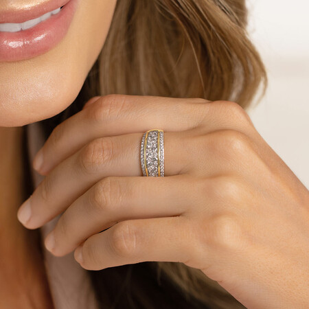 Ring with 0.70 Carat in 10ct Yellow Gold