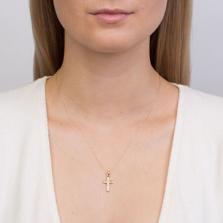 Pendant with 0.15 Carat TW of Diamonds in 10ct Yellow Gold