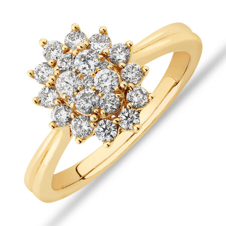 Oval Cluster Engagement Ring with 0.62 Carat TW Diamond in 14ct Yellow Gold