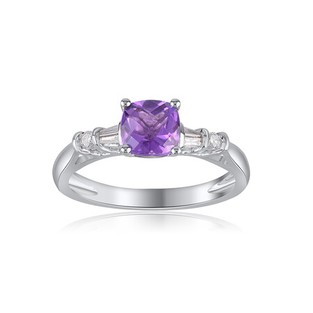 Ring with Amethyst & 0.10 Carat TW of Diamonds in 10ct White Gold