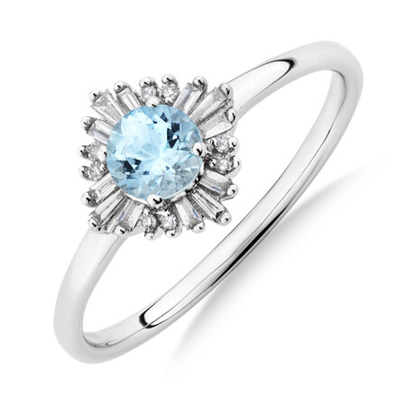Ring with Aquamarine & Diamonds in 10ct White Gold