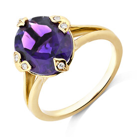 Ring With Diamonds And Amethyst In 10ct Yellow Gold