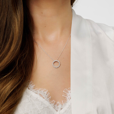 Pendant with Diamonds in 10ct White Gold