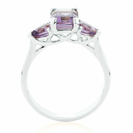 Ring with Amethyst in 10ct White Gold