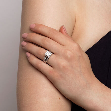 Bridal Set with 1 1/2 Carat TW of Diamonds in 14ct White Gold