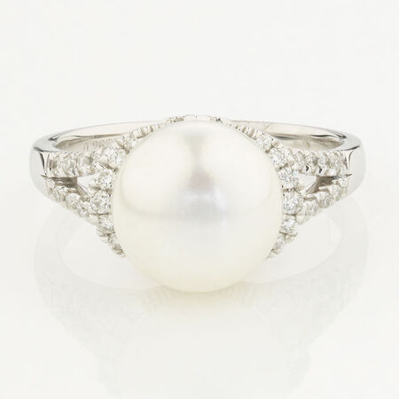 Online Exclusive - Ring with 0.26 Carat Total Weight of Diamonds and Cultured Freshwater Pearl in 10ct White Gold