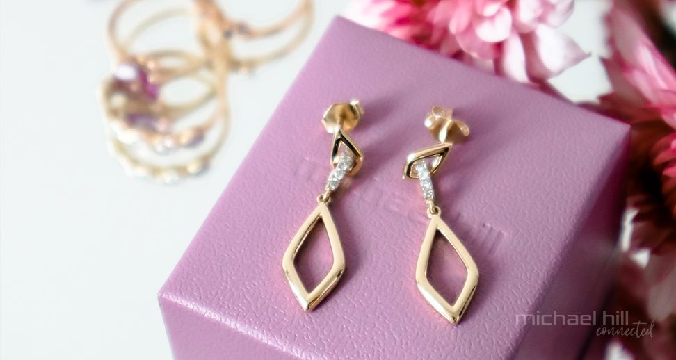 drop earrings styling tips from two influencers