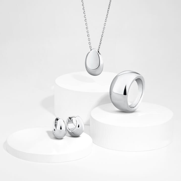 Ultra-modern and completely timeless, our exclusive Sculpture range takes sterling silver to new heights (and depths). Unique and exclusive designs are rendered in bold proportions, for jewellery pieces that can be worn confidently alone, or stacked with extra styles for a striking multi-dimensional look.